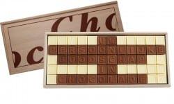 <p>Maak je eigen chocolade boodschap in telegram-stijl voor een nieuwe Abraham of Sarah. Wordt geleverd in leuk houten kistje. Bevat 60 blokjes chocolade...</p> <strong>€ 33,95</strong>
