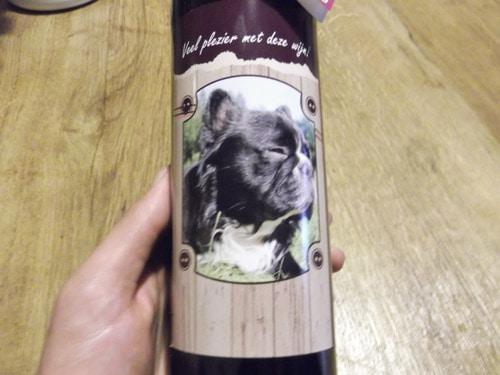 fles wijn 50 jaar hand